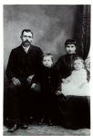 John Francis Craw, !861-1913, Lelah Beatrice (Beckett)Craw, 1868-1954, parents of Kitty Pearl (Craw) Miles and sons Andr